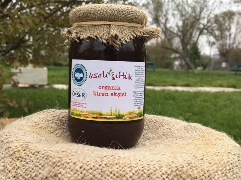 Organik Kiren (Kızılcık) Ekşisi 370 gr. (Sadece meyve suyu içerir.)