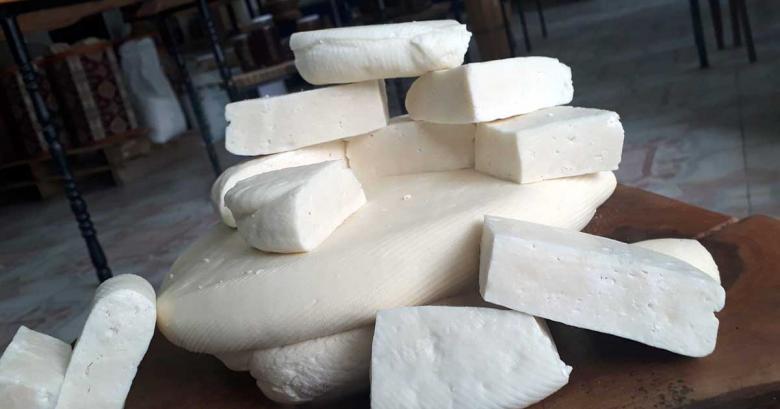 Bingöl peyniri (koyun ve keçi sütü karışımından yapıldı)